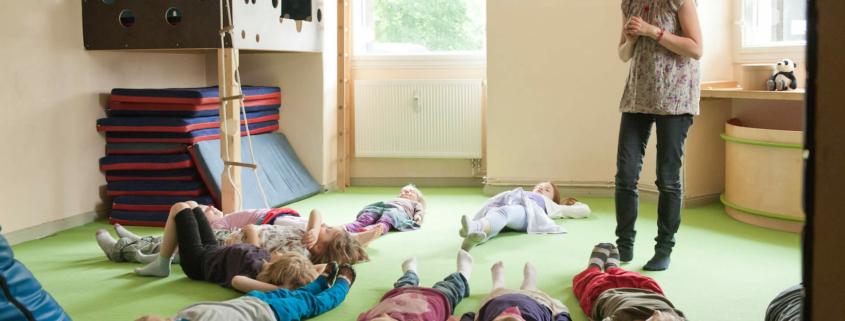 Foto mit Kindern: Happy Panda Training